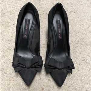Matte Black Bow Pumps